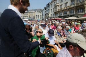 Bei der Kollekte im Festgottesdienst konnten über 10.700 Euro für Hilfsprojekte der VEM gesammelt werden. (Foto: Meike Böschemeyer)